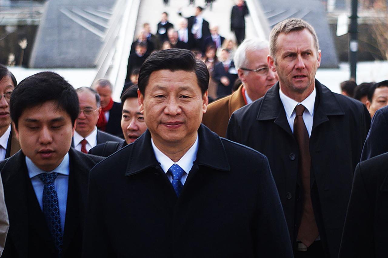 Kinas Presiden Xi Jinping (习近平t besöker Hammarby Sjöstad