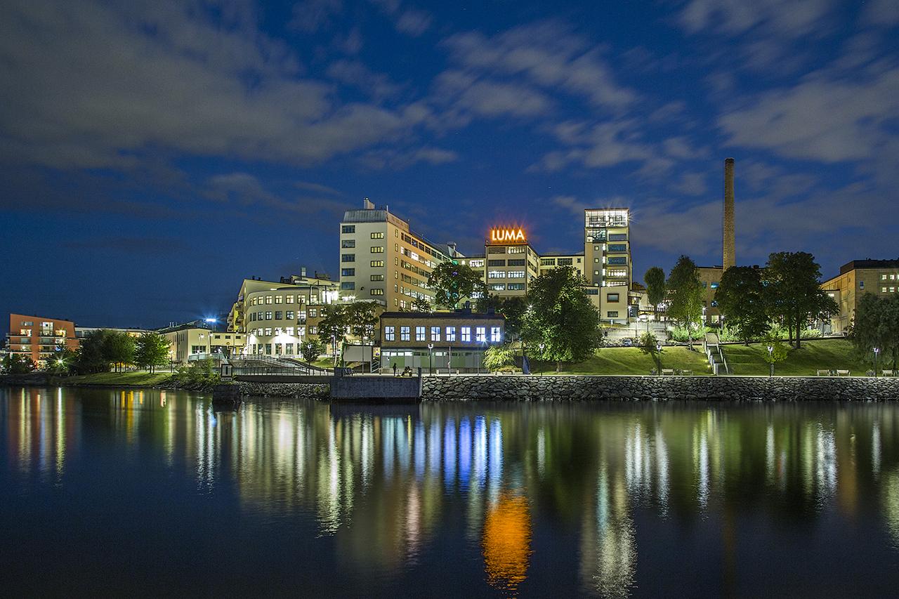 Lumahuset i Hammarby Sjöstad kvällsbild