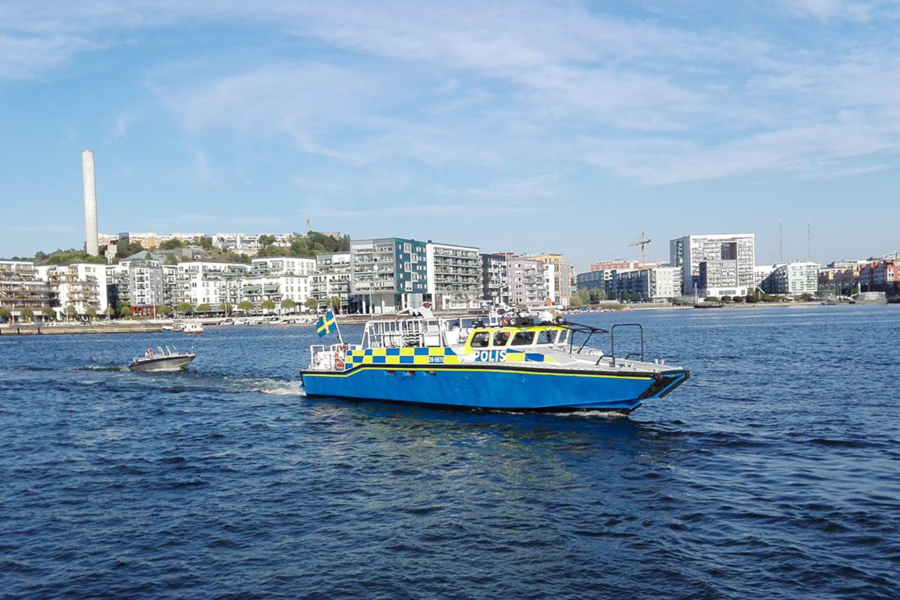 Polisbåt i Hammarby sjö