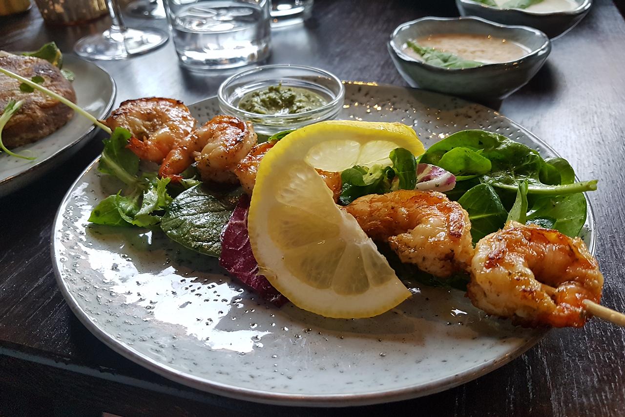 Räkspett från restaurang Namaskaar i Hammarby Sjöstad