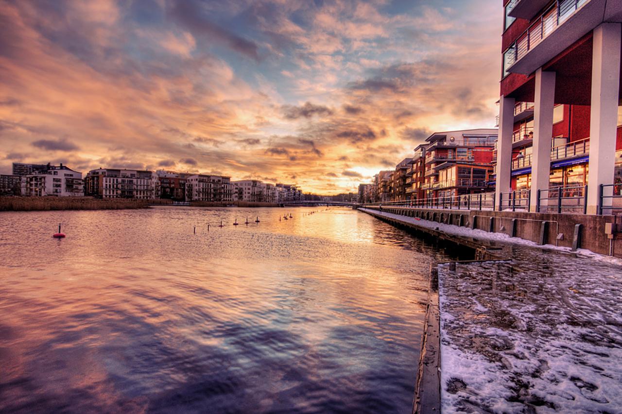 Sickla kanal vinter i Hammarby Sjöstad
