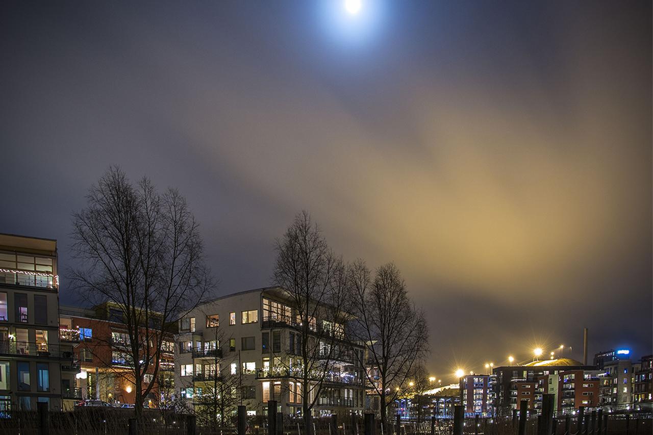 Sickla Udde i Hammarby Sjöst, Kväll