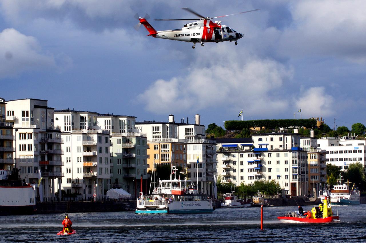 Sjöräddningen övar i Hammarby Sjö