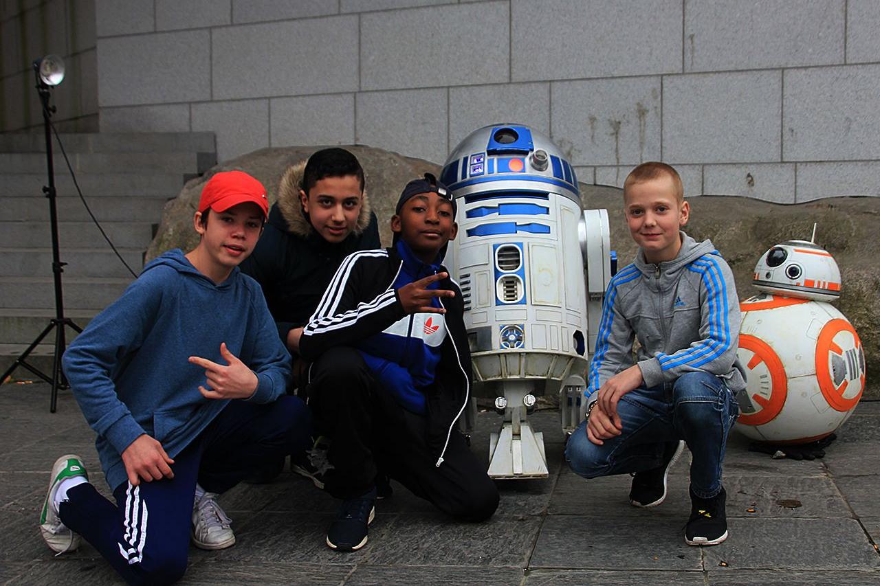 Ungdomar i Hammarby Sjöstad möter R2D2