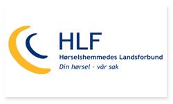 Logoen til Hørselshemmedes Landsforbund. Til venstre for teksten HLF Hørselshemmedes Landsforbund Din hørsel - vår sak er det bilde av et strek-øre. Den ytterste delen av øret er i gult og den innerste delen er i blått.