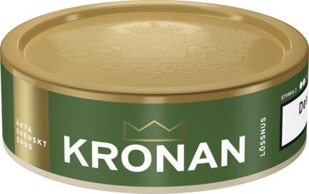 Om produkten Kronan Lössnus Kronan Lös är liksom andra produkter från Swedish Match framtagen i förhållande till den svenska snustraditionen. Snuset smakar citrus ochbergamott med undertoner av dill och viol. Tydligast är dock tobakssmaken. Fakta om produkten Varumärke Kronan Produkttyp Lössnus Vikt 42 Styrka Normal Nikotinhalt 7,5 mg/g Innehåll/förpackning (gram) 42g Format Lös Kornighet Medel Producent Swedish Match, snushandel i nyköping ab påljungshage köpcentrum snusbutiken snus affären tobaks butiken
