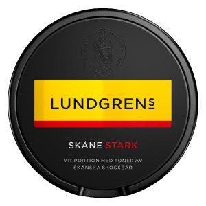 Om produkten Lundgrens västkusten Norrland Vit Portionssnus Lundgrens Norrland White Portion är ett vitt snus med en tydlig, frisk och blommig smak. I botten finns en klassisk tobakskaraktär som toppas med inslag av granskott och fjällblommor. Ytterligare ett snus från Lundgrens svenska serie med sin unika design. De perforerade portionerna frigör smaken på ett sätt som är unikt för just Lundgrens. Varje produkt från Lundgrens är en hyllning till en region i Sverige, med smaksättningar som väcker associationer till omtyckta svenska regioner. Vårt mål är att låta Lundgrens ta dig med på en smakresa och utforskandet av den svenska floran har bara precis börjat. Nikotinhalten i de vita, normalstora portionerna ligger på 10 mg/g. Varje dosa Lundgrens Norrland innehåller 24 portioner. Fakta om produkten Varumärke Lundgrens Produkttyp White portion Styrka Normal Nikotinhalt 10 mg/g Innehåll/förpackning 20,4 g Snustyp Vit Portion Format Normal 1 Producent BAT snushandel i nyköping ab påljungshage köpcentrum sveriges största snusbutik slimsnus slim portion portionssnus skåne slim malmö snus skåne vit Om produkten Lundgrens Skåne Stark Vit Portion Smaksättningen bygger på svensk barrskog i kombination med mogna skogsbär. Varje produkt och smaksättning från Lundgrens är inspirerad av en omtyckt region i Sverige. Vårt mål är att låta Lundgrens ta dig med på en smakresa och utforskandet av den svenska floran har bara precis börjat. Här hittar du den normalstarka Lundgrens Skåne. lundgrens skåne stark