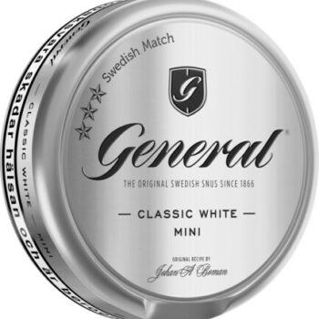 """Om produkten General Extra Stark Portionssnus General Extra Stark Portion har med sin General-familj kommit att bli en riktig klassiker i snusvärlden. Det här är den extra starka versionen, 14mg/portion. Med sin fylliga och kryddiga tobakssmak, där du även hittar inslag av citrusaktiga kryddan bergamottoch te, torkat gräs och läder. Kombinationen av kryddighet och syrlighet gör snuset välbalanserat. General är ett av världens största snusvarumärken och säljs i enorma mängder i Sverige och runt om i Europa. Ett populärt varumärke i 1800-talets slut och än idag. Namnet General har, till skillnad från vad man kan tro, inget att göra med den militära rangen. General kommer från orden """"generell"""" eller """"allmän"""" och hänvisar till ett """"General-snus"""" - ett allmänt snus. General har satt standarden för vad snus är, både i Sverige och resten av världen. Fakta om produkten Varumärke General Produkttyp Original Portion Styrka Stark Nikotinhalt 14 mg/g Innehåll/förpackning 22 g Format Portionssnus Kornighet Medel Producent Swedish Match, Om produkten General Mackmyra Lössnus General Mackmyra Lössnus är ett lössnus från Swedish Match:s Master BlendersLars Jonsson och Mattias Schyberg. Denna gång har de i samarbete medAngela D'Orazio från Mackmyra Whisky tagit fram ett nyutvecklat lössnus som kombinerar de bådasmaktraditionerna hos General och Mackmyra Svensk Ek. Lössnuset har en smak som ligger nära tobaken och som har inspiration frånsåväl Generals som Mackmyras palett. Lågmäldatoner av frukt i kombination med ek och ceder ger en traditionsgrundad smak som överraskar i sin komplexitet. Snuset finns även i Original Portion. INNEHÅLLSDEKLARATION vatten, tobak, fuktighetsbevarande medel (E 1520, E 422), salt, surhetsreglerande medel (E 500), Mackmyra Whisky, aromer inklusive rökarom. Fakta om produkten Varumärke General Produkttyp Lössnus Styrka Normal Nikotinhalt 7,5 mg/g Innehåll/förpackning 42 g Format Lös Kornighet Medel Producent Swedish Match snushandel i nyköping ab påljungsh"""