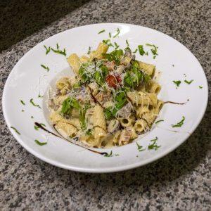 En fin pasta-rätt - penne rigate, skinka, mm