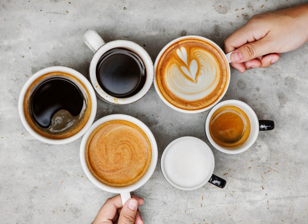 koppar med kaffe