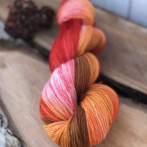 Håndfarvet strømpegarn fra Sokkegarn