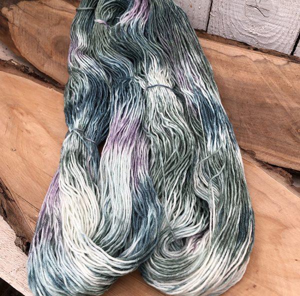Silk/Merino håndfarvet af Sokkegarn