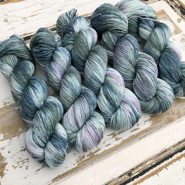 Silk Merino håndfarvet af Sokkegarn