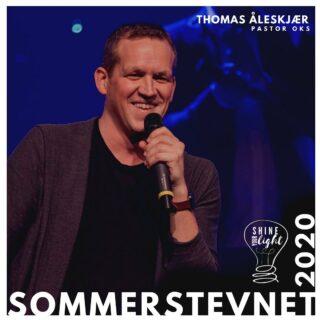 Vi har den store gleden av å presentere Thomas Åleskjær(@thomasscatman) som taler til sommerstevnet 2020! Temaet «Shine your light» blir meget bra! Gjennom bibeltimer, voksenfellesskap, barne og ungdomsmøter, og møter skal vi høre om og prate om verdens Lys. Hvordan Jesus kan lyse opp min og din hverdag, og hvordan vi kan være med å skinne for andre. Gled deg! Sett av 8.-12. Juli 2020, og legg turen til Solstrand👍🏻 #dfef #sommerstevnet2020 #shineyourlight #dfefsommerstevnet #korsetsseier #avisendagen