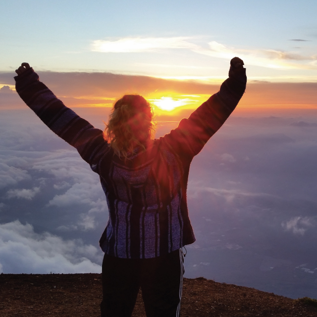 https://usercontent.one/wp/www.southtravelers.com/wp-content/uploads/2019/10/Guatemala-Volcano-Tours.jpg