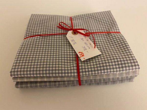 grå pakke