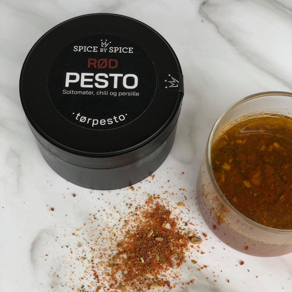 rod torpesto med smag af soltomater,-chili-persille