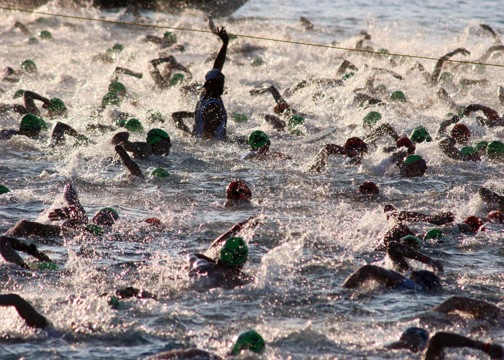 triathalon-swim-618742_1920