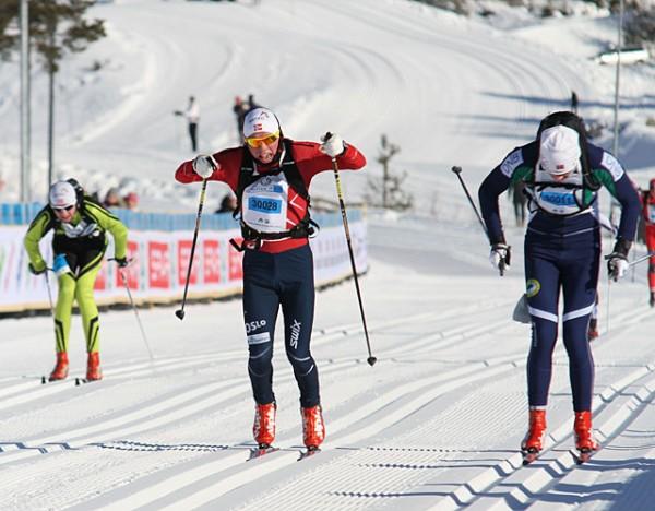 Petter Stakston er halvmeteren foran Ivar Ryttervold på oppløpet.  Foto: Finn Olsen, Kondis.