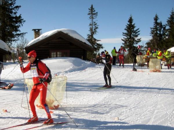 Etter drikkestasjonen ved Midtfjellskoia, er resten av løypen den samme som i  Birkebeinerrennet.