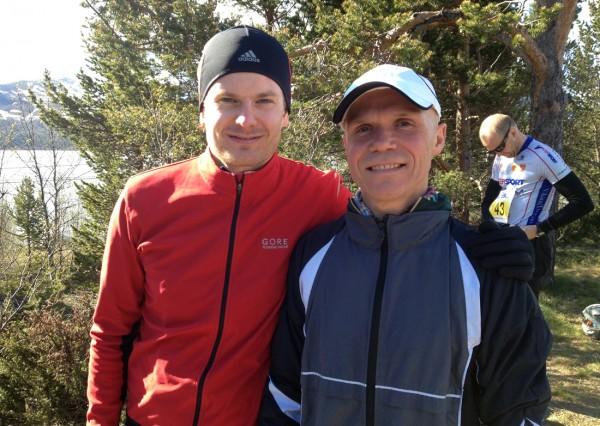 Her er Bjørn sammen med vinneren av Holmestrand Maraton, Christian Odgaard, før Fjellmaraton i fjor. Foto: Frode Monsen