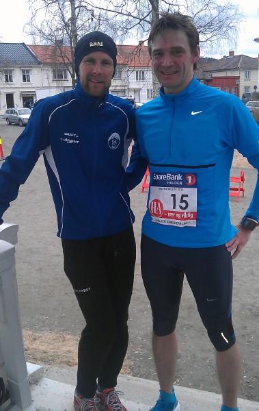 Både vinner Øystein Mørk (t.v.) og reporter Roar Tomter var godt fornøyde med dagen, til hhv 1. og 5.plass.