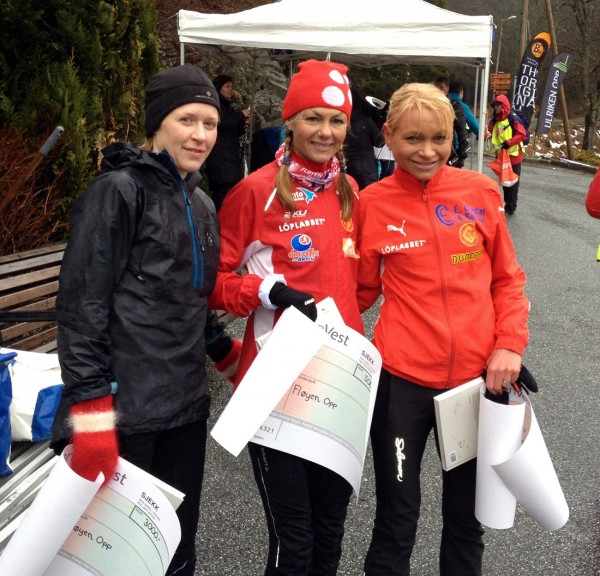 Seierspallen: Rebecca Wade, Kirsten Marathon Melkevik og Mai Britt Buer