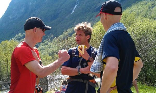 Den satt! Løpets vinner Geir Grindedal knytter fornøyd neven etter seieren.