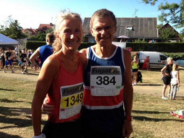 Sterkt par fra Tønsberg. Kirsti Johnsen vant klasse 60-64 år med nesten 4 minutter, mens Inge Vinje ble nr 3 i klasse 65-59 år. Foto: Frode Monsen