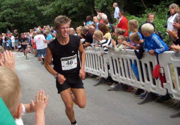 Som far, så sønn: Kjetil Andre Bjerkrheim ga alt i HammerDysten og hadde 5.beste tid opp den 435 meter lange bakken av samtlige løpere! Faren Tore løp jevnere og vant etappen i klasse 50-54 år. Foto: Sportsmanden.no / Marie Wibe Bakker