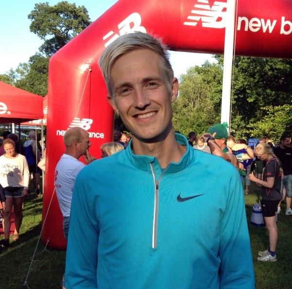 Morten Munkholm har vunnet 2 av 3 løp, men ligger likevel 8 sekunder bak lederen sammanlagt. I går dro han kraftig mot slutten, men Adbi-Hakin Ulad bet seg fast og klarte å begrense tapet til ett fattig sekund. Foto: Sportsmanden/Frode Monsen