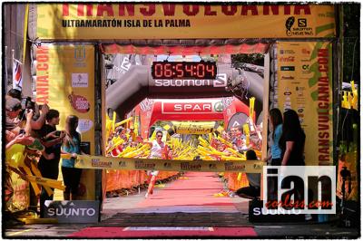 Killian Jornet vinner løpet og setter ny rekord med tiden 6.54:09 (©IanCorless-TalkUltra)