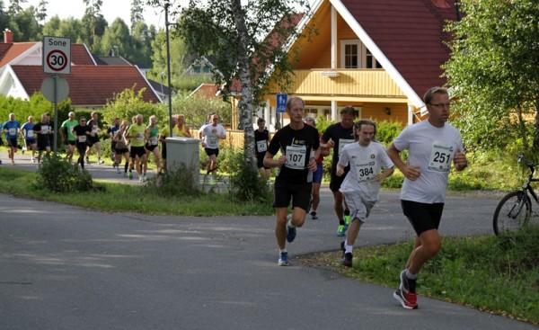 Starten08-Knut-Asbjørnsen-leder-feltet
