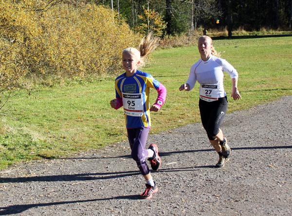 Spurten-damer-1-Hvamstad-Andersen