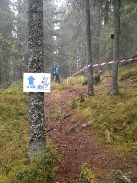 100 meter igjen til toppen her. (Foto: fra hjemmesiden)