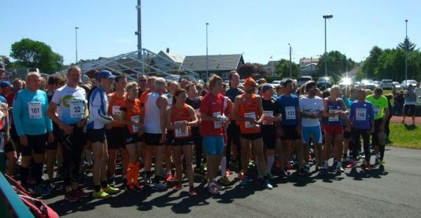 240 forventningsfulle og spente løpere klare til start.