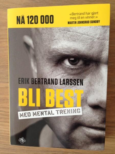 """Denne boken fra fenomenet Erik Bertrand Larssen kan vikelig anbefales! De fleste maratonløpere har nok mye å hente på å bli en del """"hardere i nøtta""""."""