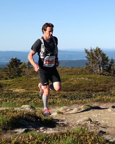 Anders Myrland er vant til lange løp på ski. Han løp jevnt og sterkt og tok andreplassen.