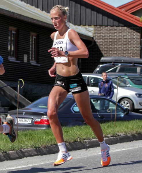 Halvmaraton2014-kvinner-1-Marthe-Myhre-4-493x600