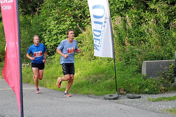 Anders Røssevold (485) fra BFG Bergen, gammel storløper som ønsker å holde formen vedlike. Her sammen med Stian Stenseth fra hovedsponsoren HEAD Energy b.i.l.