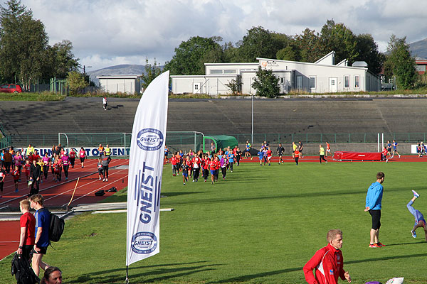 Flott steming på Fana Stadion en halv time før start