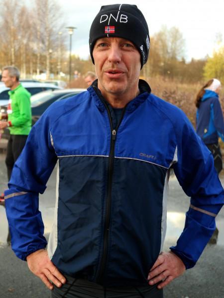 Steinar Lien fra Oppegård Il tok enda et KM-gull for Akershus, da han løp på 1.27.14 og ble nummer to i klasse M50-54 år. (Foto: Frode Monsen)
