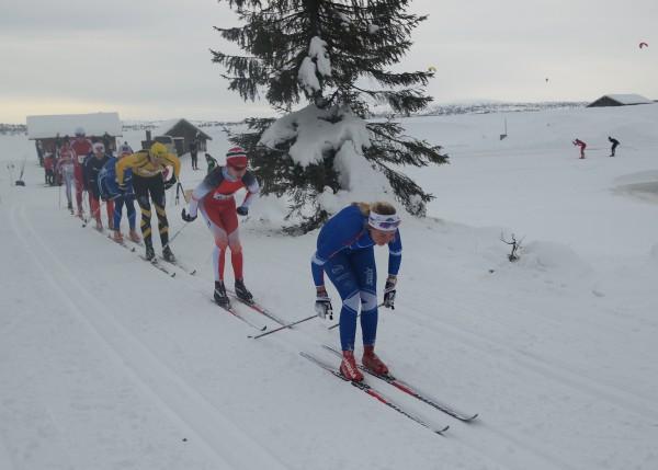 Marthe Bjørnsgaard blir nummer 6 av damene med 1.12.14. Mamma Ragnhild Bratberg blir for øvrig nummer 24, slått av datteren med 6.20.