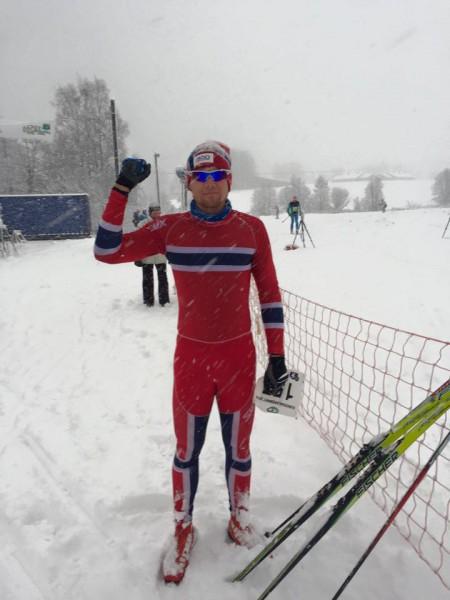 Den satt! Thomas Gifstad kan juble etter å ha vunnet Sørkedalsrennet for andre år på rad. Foto: Arrangøren
