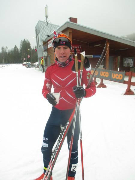 var Andre Ryttervold tok en strålende sølvmedalje i dagens Norgesmesterskap i sprint på Nes i M18 klassen. Det ble en tett finale der Petter Stakston holdt teten helt til mål og vant. Ivar var på gulljakt og prøvde å spurte godt på slutten, men ble 0,35 s bak. Simen T Rolfsen fulgte på en 3.plass rett bak Ivar. Amund Hoel vant prologen og var utrolig nærme i sin semifinale til å gå videre til finalen, men var dessverre et par tideler unna. Herman M Meyer falt i sin kvartfinale og kom seg dessverre ikke videre.