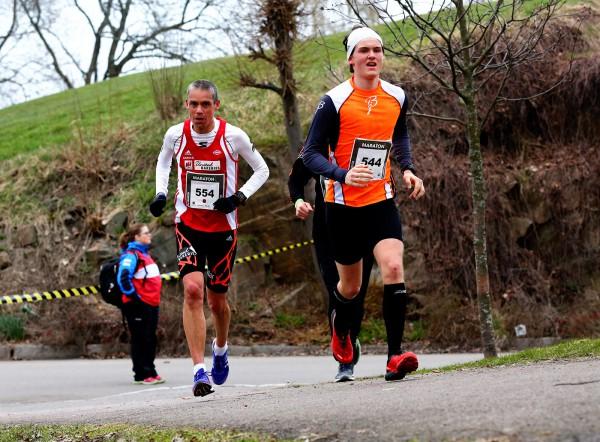 Holmestrand-Maraton-Tim-Bennett_Marius-Backe