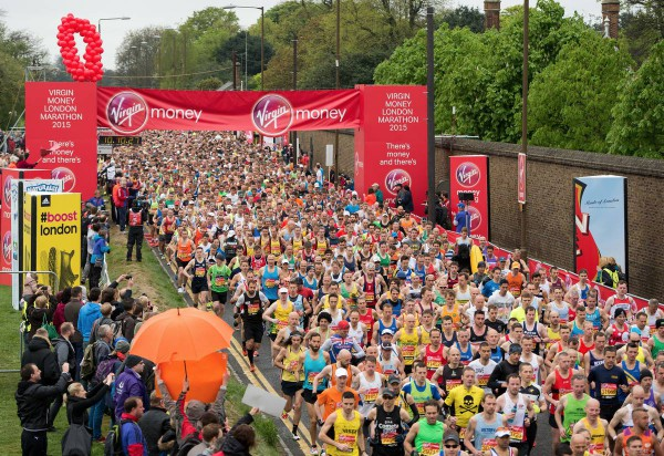Starten er gått for London Marathon 2015. Arrangørfoto