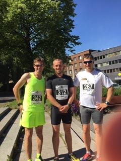 Indre Østfolds sterke trio: Fra venstre Roar Tomter, Marius Borger og Sverre Sørensen – etter oppvarming og klare for start!