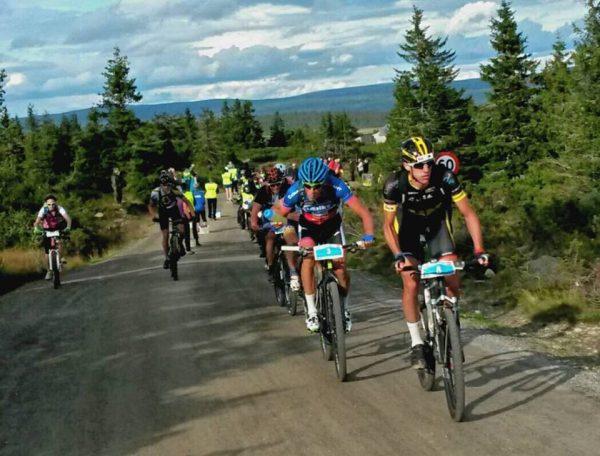 Teten etter vel 60 km ved Elgåsen. Det brygger opp til en thrilleravslutning. FOTO: Frode Monsen / Sportsmanden