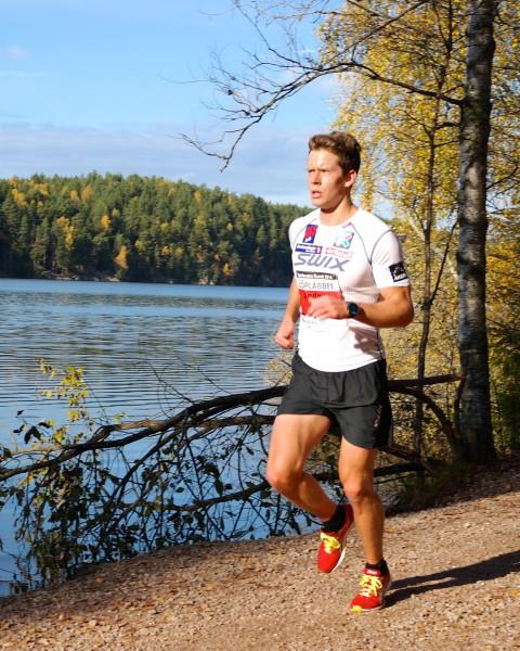 Anders Gløersen er også lommekjent i traktene rundt Nøklevann og står med en seier og en andreplass de to siste årene. Er det noen som kan slå han i morgen? Foto: Frode Monsen